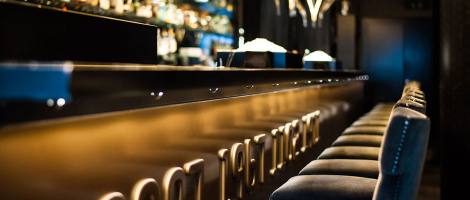 whatever. Not flirten fuer frauen this Lucky ass dude!!!!